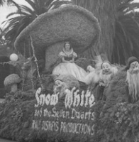 Snow White parade float, 1938