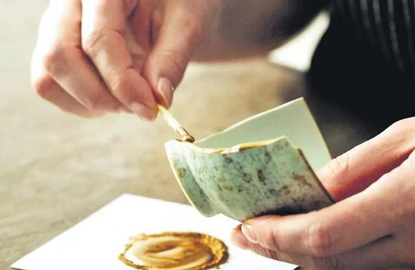 'Kintsugi' book review: The gleam of a repaired heart