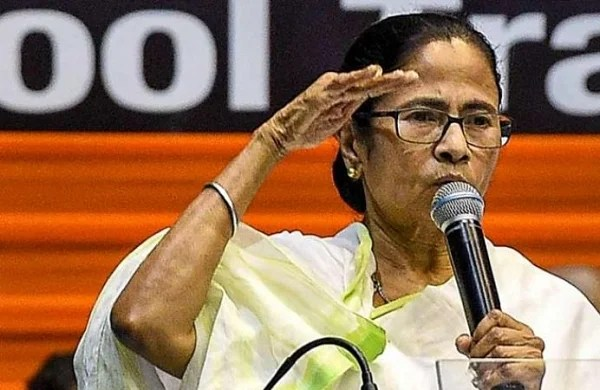 COVID-19 lockdown: Mamata Banerjee visits several Kolkata localities on second consecutive day