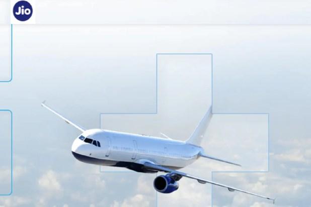 इंटरनेशनल रूट्स पर फ्लाइट से सफर करने वाले भारतीय यात्री अब प्लेन में भी मोबाइल सेवाओं और इंटरनेट का इस्तेमाल कर सकेंगे. इसके लिए रिलायंस जियो (Reliance Jio) ने इंटरनेशनल रूट्स पर चलने वाले 22 एयरलाइंस कंपनियों से पार्टनरशिप की है. इसी के साथ जियो उड़ान के दौरान (In-Flight) मोबाइल और इंटरनेट सेवा प्रदान करने वाली दूसरी भारतीय कंपनी बन गई है. इससे पहले टाटा ग्रुप की कंपनी नेल्को (Nelco) लंदन मार्ग पर विस्तारा एयरलाइंस (Vistara Airlines) में इन-फ्लाइट मोबाइल सेवाएं दे रही है.