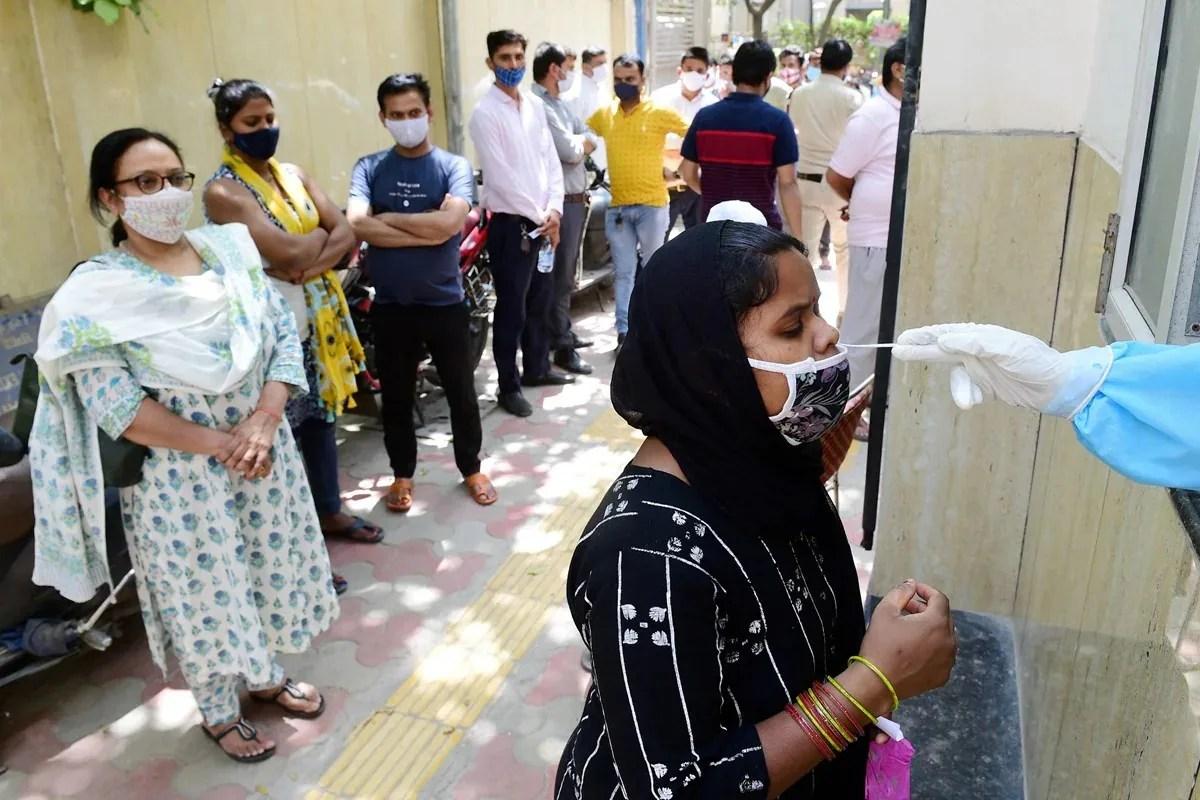 covid-19 cases update, Covid-19 cases in delhi, last 24 hours Death in delhi, Coronavirus, Covid 19, Delhi Government, Health Ministry, Covid-19 vaccine, Delhi corona cases update, Health Bulletin,Corona cases in delhi, दिल्ली में कोरोना के नए मामले, दिल्ली में कोरोना मरीजों की संख्या, कोरोना के कितने नए मामले, दिल्ली में कोरोना के कितने मामले, दिल्ली सरकार, अरविंद केजरीवाल, कोरोना केस अपडेट, कोविड-19 केस अपडेट, एयरपोर्ट गाइडलाइन, दिल्ली के अस्पतालों की क्या है स्थिति