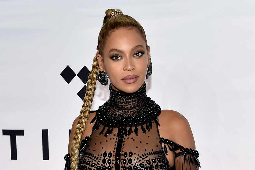 beyonce says cheers to 2020 with rare