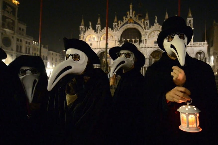 Long Before PPE Suits: Why Did Bubonic Plague Doctors Wear Those Strange  Beaked Masks?