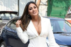Hina Khan is fleeing from the Pope as she is spotted at Mumbai airport