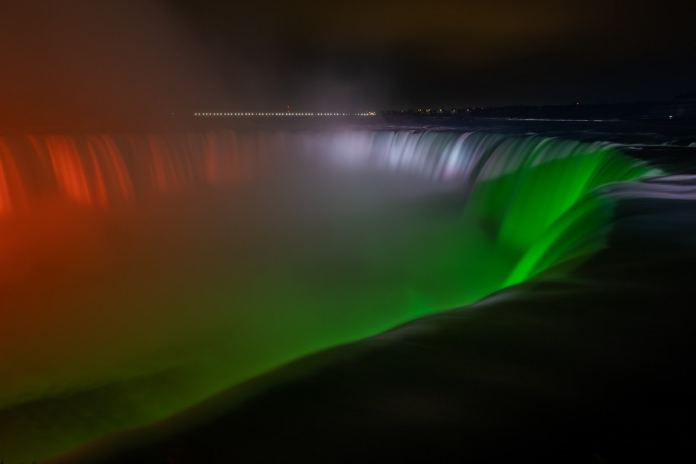 Canada's Iconic Niagara Falls Lights up in Indian Tricolour to Stand in Solidarity During Country's Covid-19 Crisis | Latest News Live | Find the all top headlines, breaking news for free online May 1, 2021