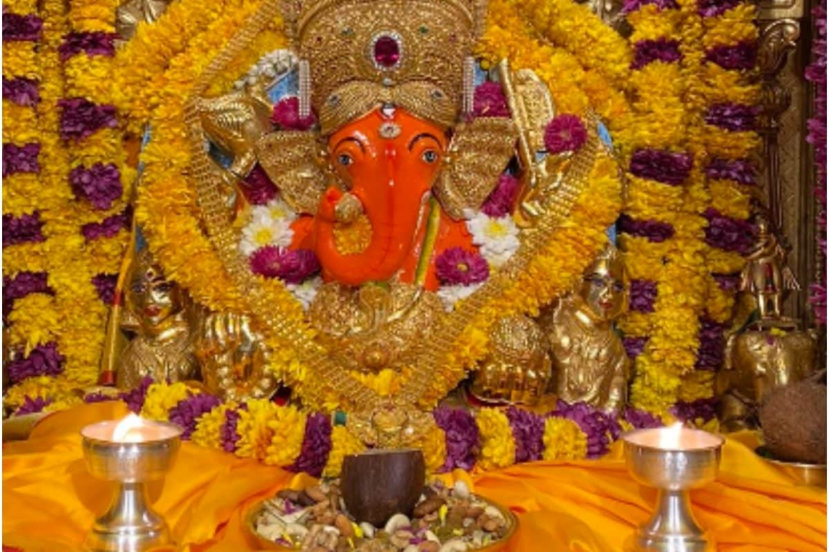 An image of Ganesha idol tweeted by the Siddhivinayak Temple on Tuesday. (Image: Twitter/Shri Siddhivinayak Temple)