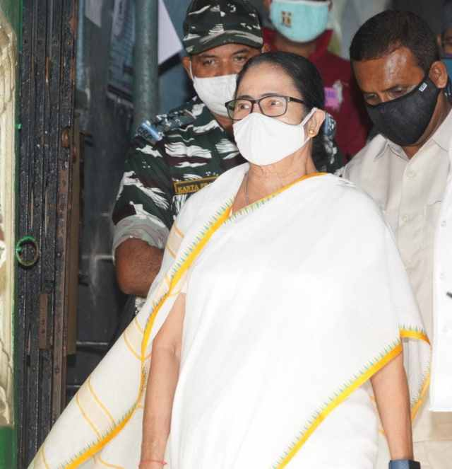 Mamata Banerjee casts her ballot at the Mitra Institution School booth in Bhabanipur on Thursday.