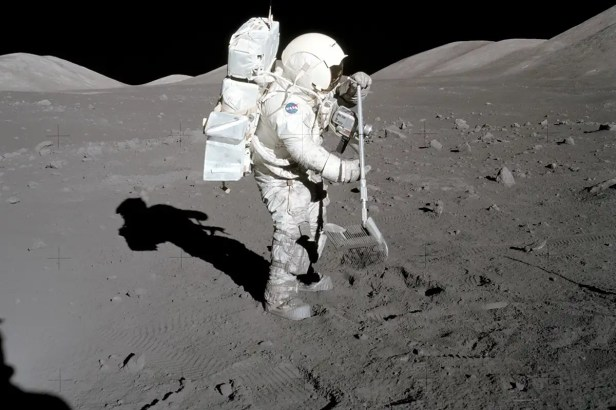 Breathing in moon dust could release toxins in astronauts' lungs