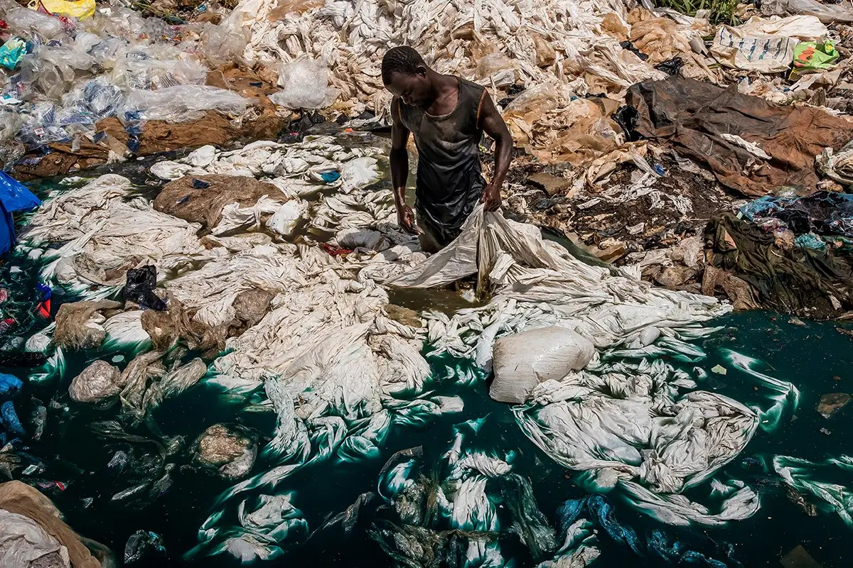 Lake Victoria is at risk of dying from pollution and climate change