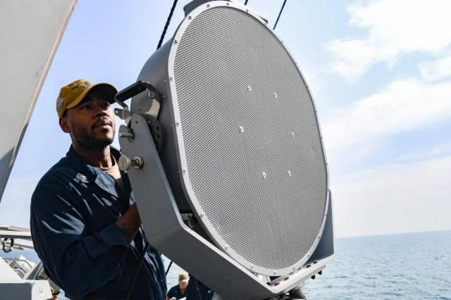 Nowo opracowana przez Marynarkę Wojenna broń uniemożliwi ludziom rozmowę