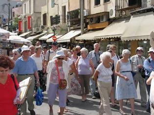 Φωτογραφία για Στα 10 δισ. τα έσοδα από τον τουρισμό το 2012