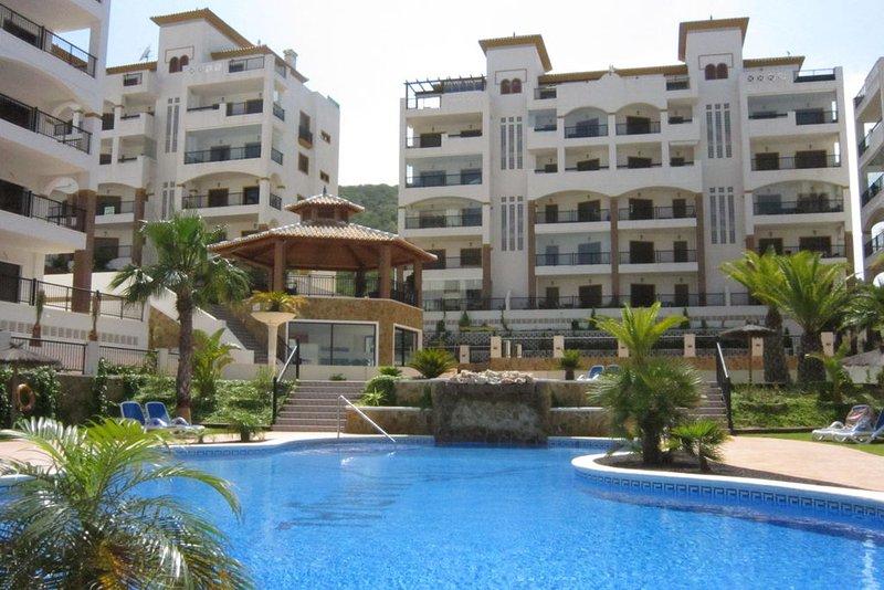Apartamento genial, no falta de nada, ubicación a escasos metros de la playa y el dueño un 10, volveremos. Alquiler apartamento en Guardamar del Segura, Comunidad ...