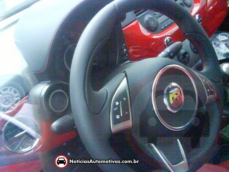 Exclusivo: Unidades do Fiat 500 Abarth dentro da Fiat, e interior do Bravo de testes