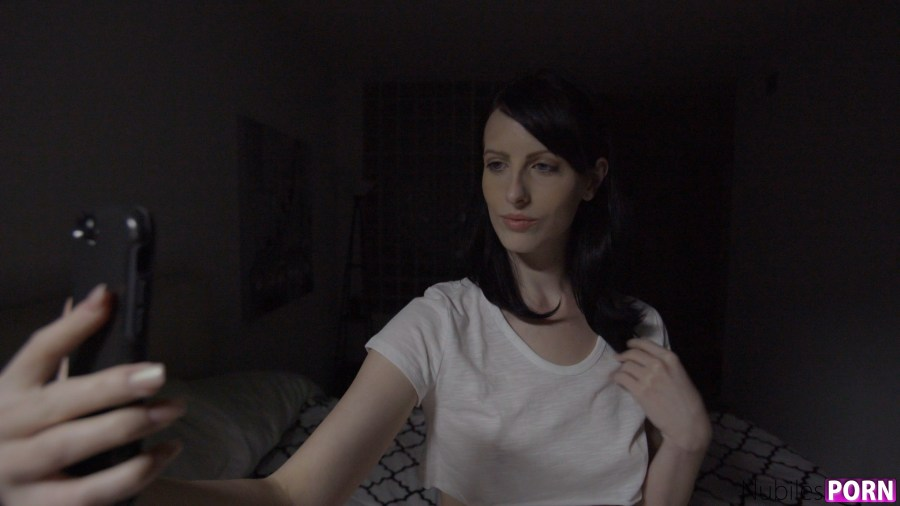 Nubiles-Porn.com - Alex Harper: My Snap Girl - S12:E4