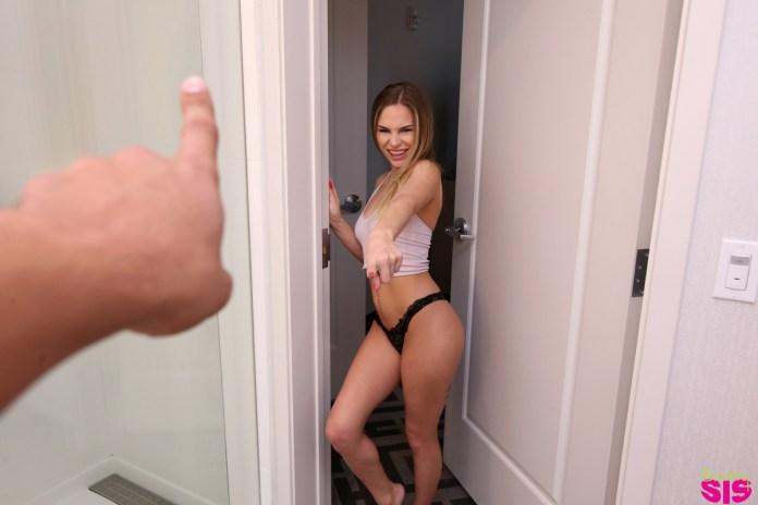 brattysis.com - Sydney Cole: Step Sisters Secret Crush - S10:E2