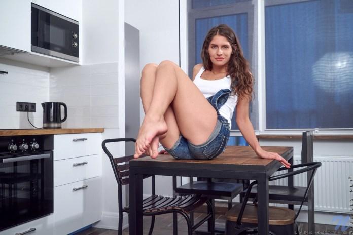 Nubiles.net - Lana Stotch: Stunner