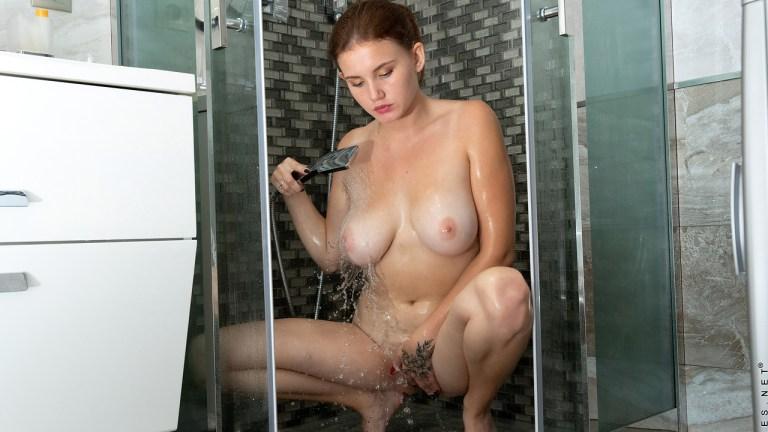 Nubiles - Sexy Shower