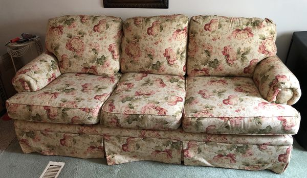 broyhill sleeper sofa floral pattern