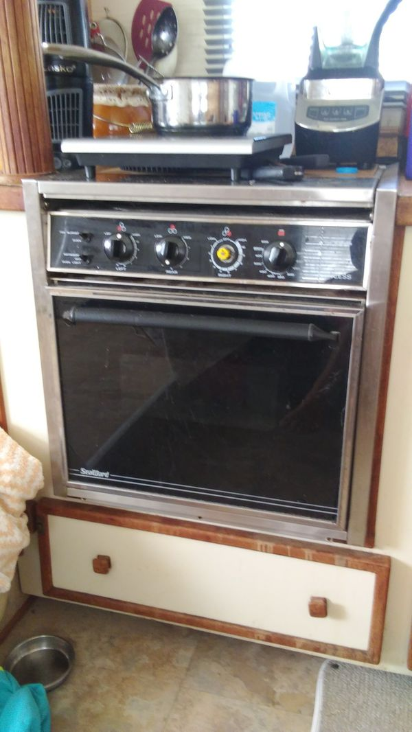 32 Grand Banks Galley Electric Stove Oven