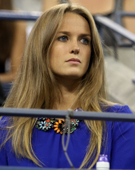 Kim Sears' hair has it's own Twitter account [Wenn]