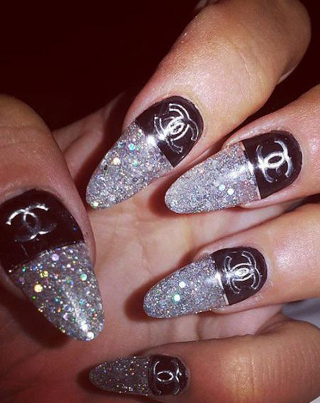 Lily Allen shows off her glamorous Chanel nails – fashion nails are bang on trend [Lily Allen/Instagram]