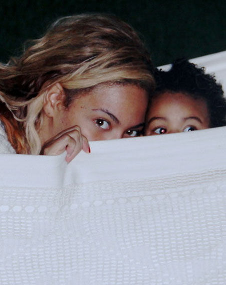 Beyonce and Blue Ivy kick back in a hammock