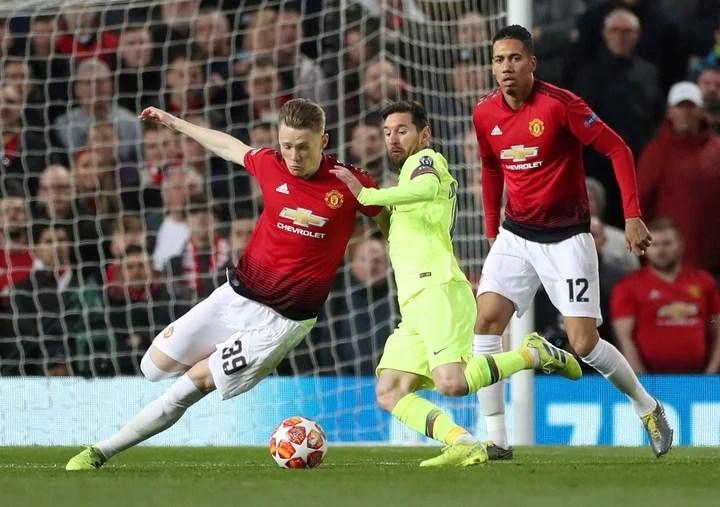 Scott McTominay vs. Lionel Messi.