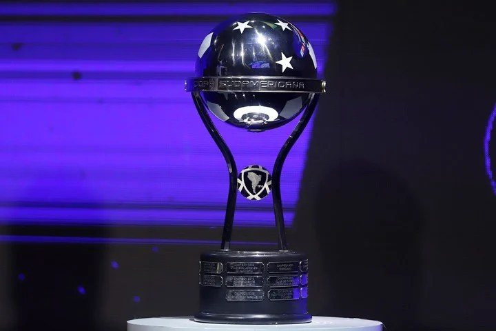 South American Cup Trophy.  EFE / Nathalia Aguilar POOL