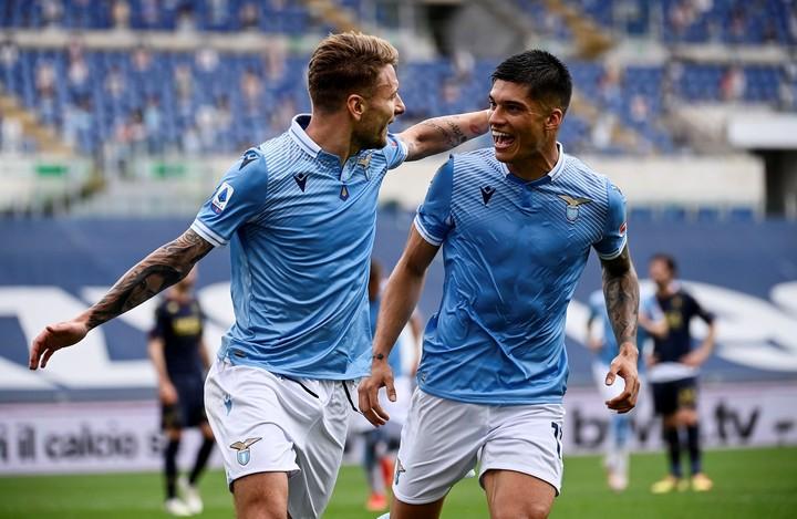 Ciro Immobile and Joaquin Correa celebrating a goal against Genoa.  EFE / EPA / RICCARDO ANTIMIANI