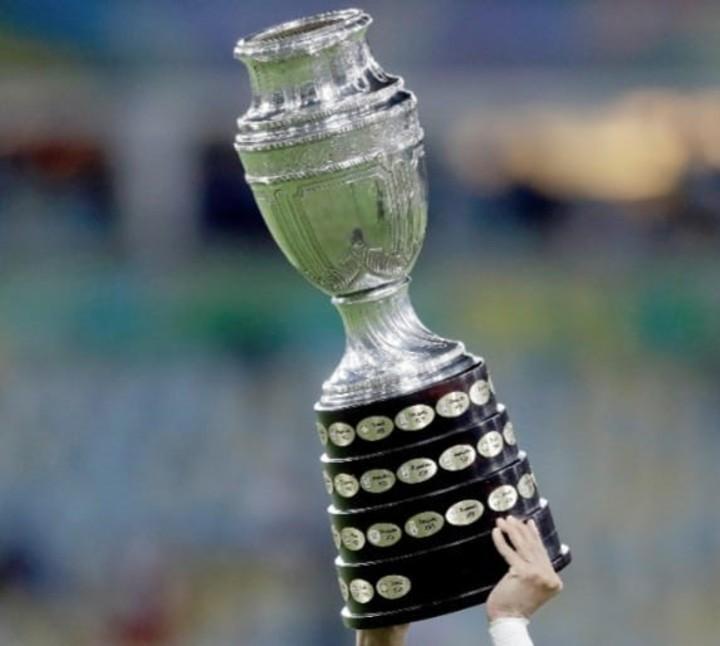 La Copa América, el trofeo en juego.