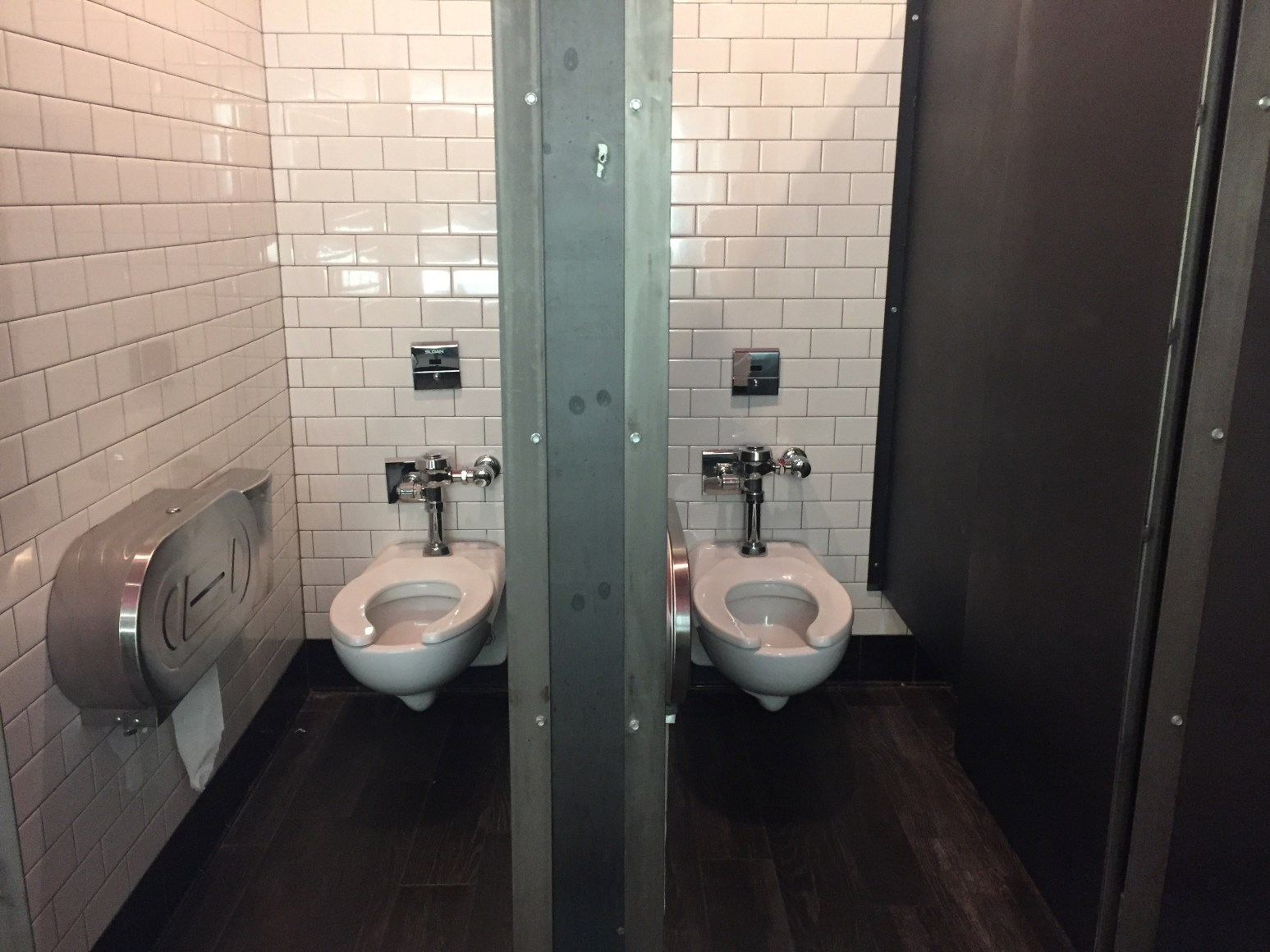 Power Ranking The Best And Worst Downtown Bar Bathrooms