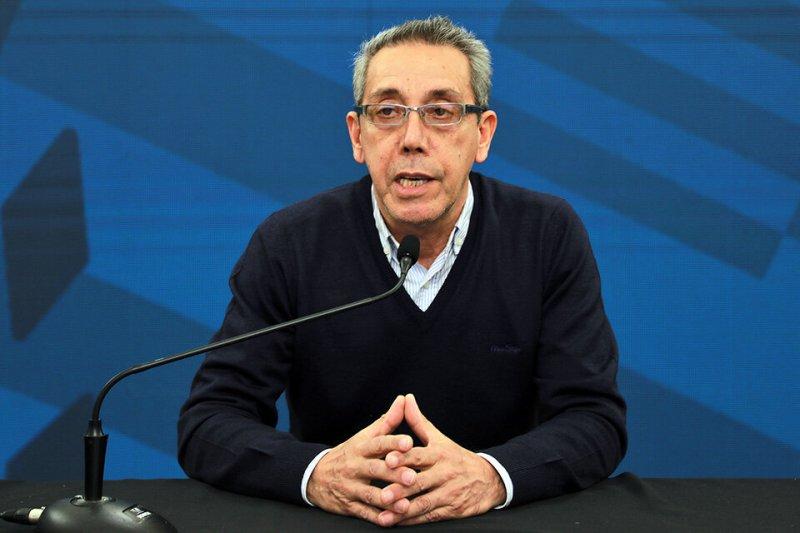 El secretario de Salud Prieto, fue el encargado de los anuncios.