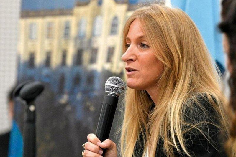 Carignano, directora nacional de Migraciones.