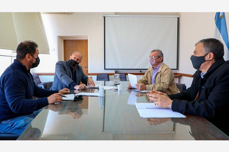 Perotti junto a Brizuela, del Soepu. (Fuente: Prensa Gobernación)