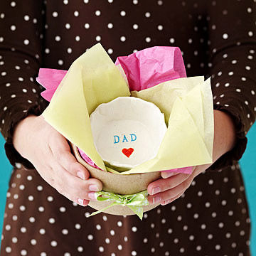 10 DIY Father's Day Gifts Easy Enough for Preschoolers| Fathers Day Gifts, DIY Fathers Day Gifts, Fathers Day Gift Ideas, Easy Fathers Day Gift, Fathers day Gifts for Kids, Fathers Day Gift Basket