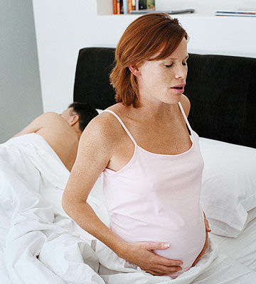 pregnant woman having contractions