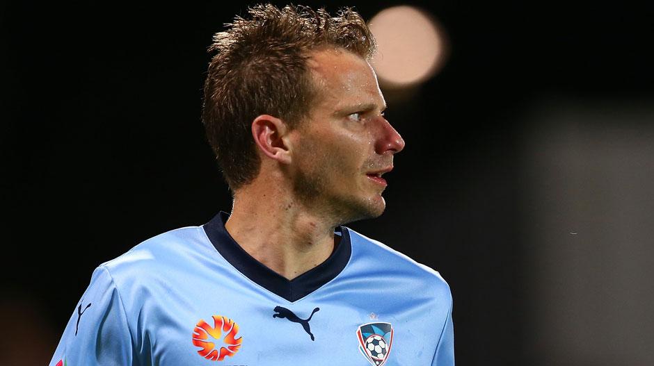 Alex Wilkinson  (Sydney FC)