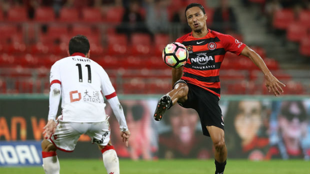 Kearyn Baccus has re-signed with the Wanderers for the next two seasons.