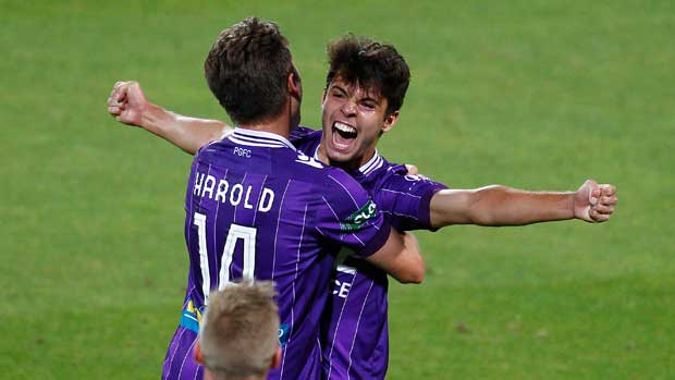 Ex-Perth Glory star Danny De Silva is reportedly being chased by Hyundai A-League club Central Coast Mariners.