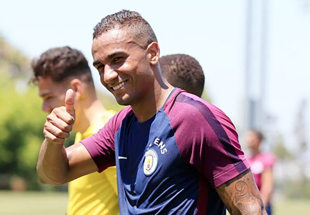 'It wasn't difficult to choose City over Chelsea' - Danilo hails Guardiola's impact on transfer