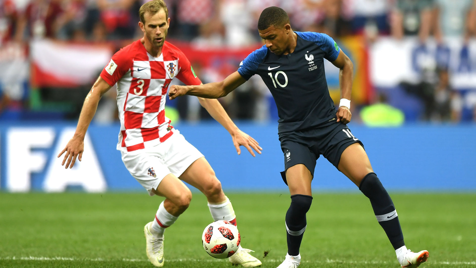 Kylian Mbappe Ivan Strinic France Croatia World Cup Final 15072018