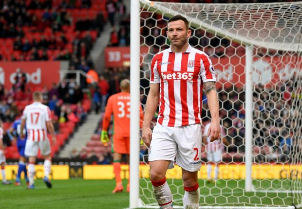 Former Man Utd defender Bardsley leaves Stoke for Burnley in £1.5m deal