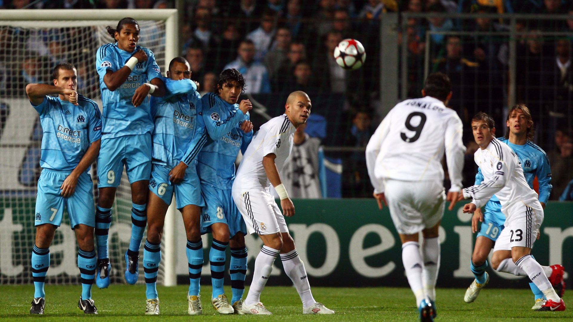 Cristiano Ronaldo Champions League Marseille 2009 away