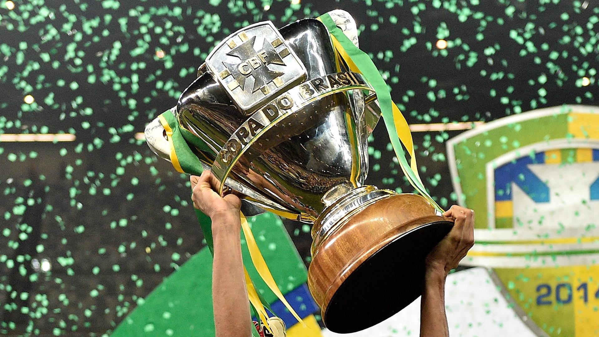 Resultado de imagem para guerra no futebol do brasil