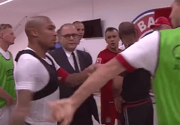 De Jong quase trocou agressões com Guardiola