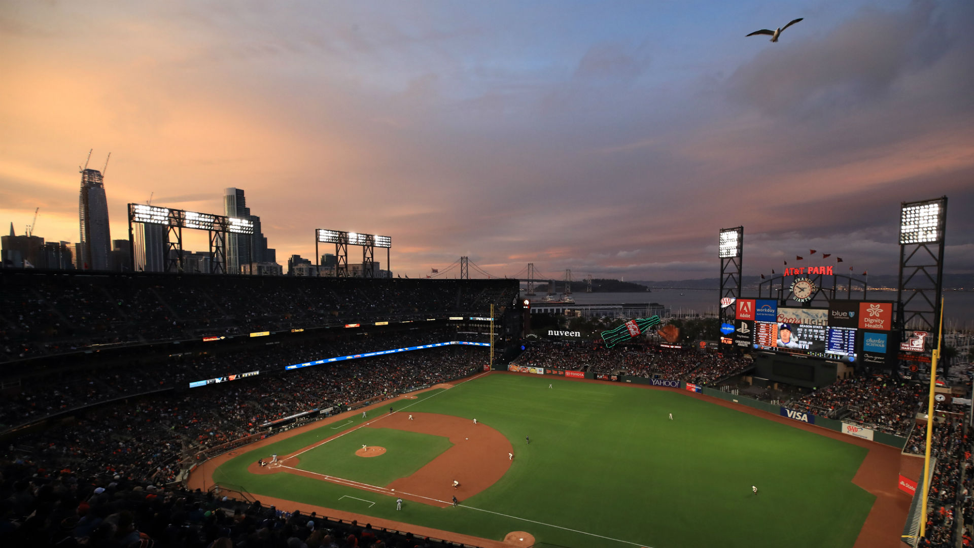Raiders to play in MLB Giants' ballpark in 2019, report says
