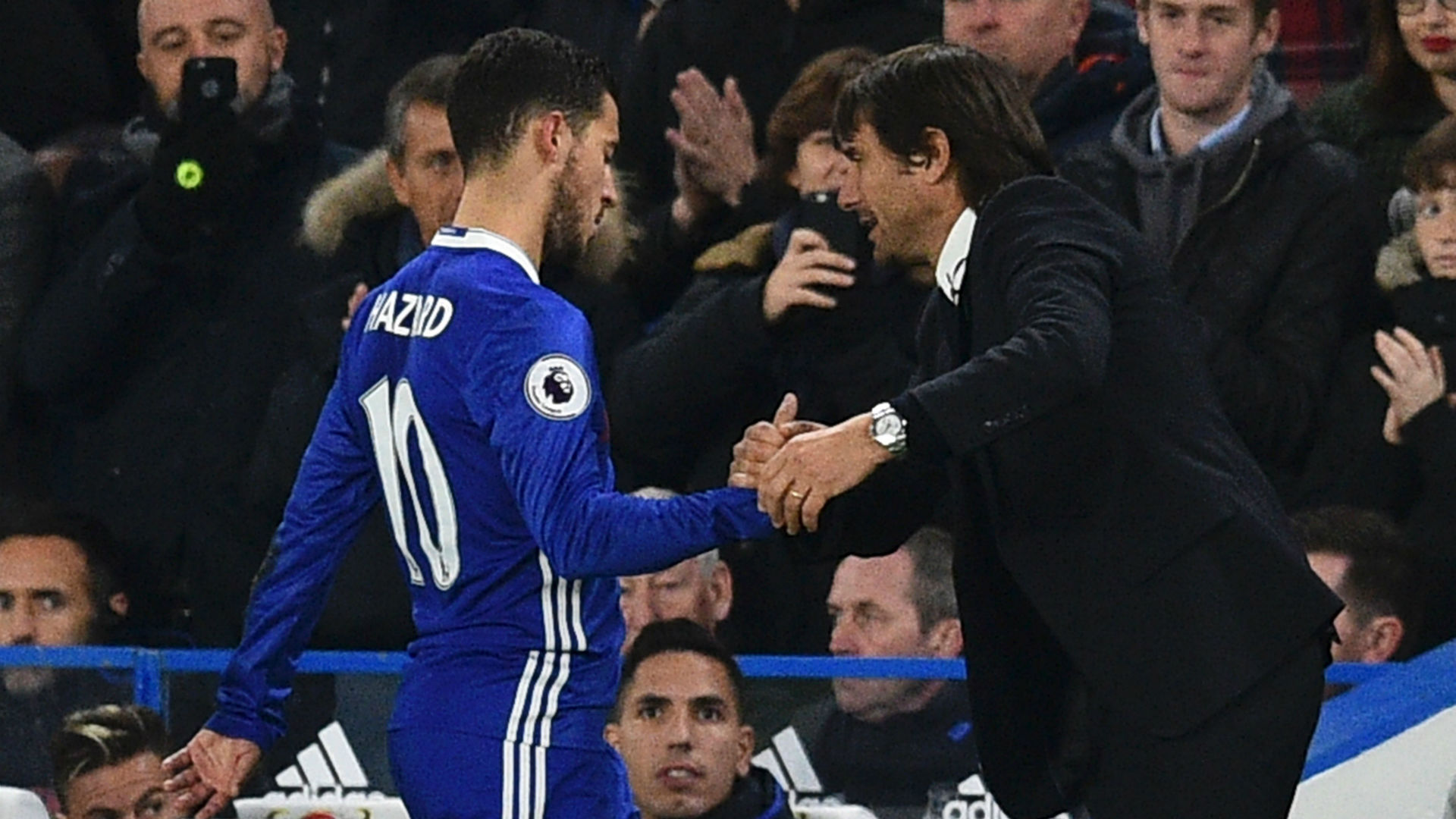 Conte delighted with 'complete player' Hazard