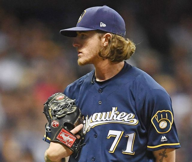 Josh Hader Emotional Apologizing To Teammates For Old Offensive Tweets Mlb Sporting News