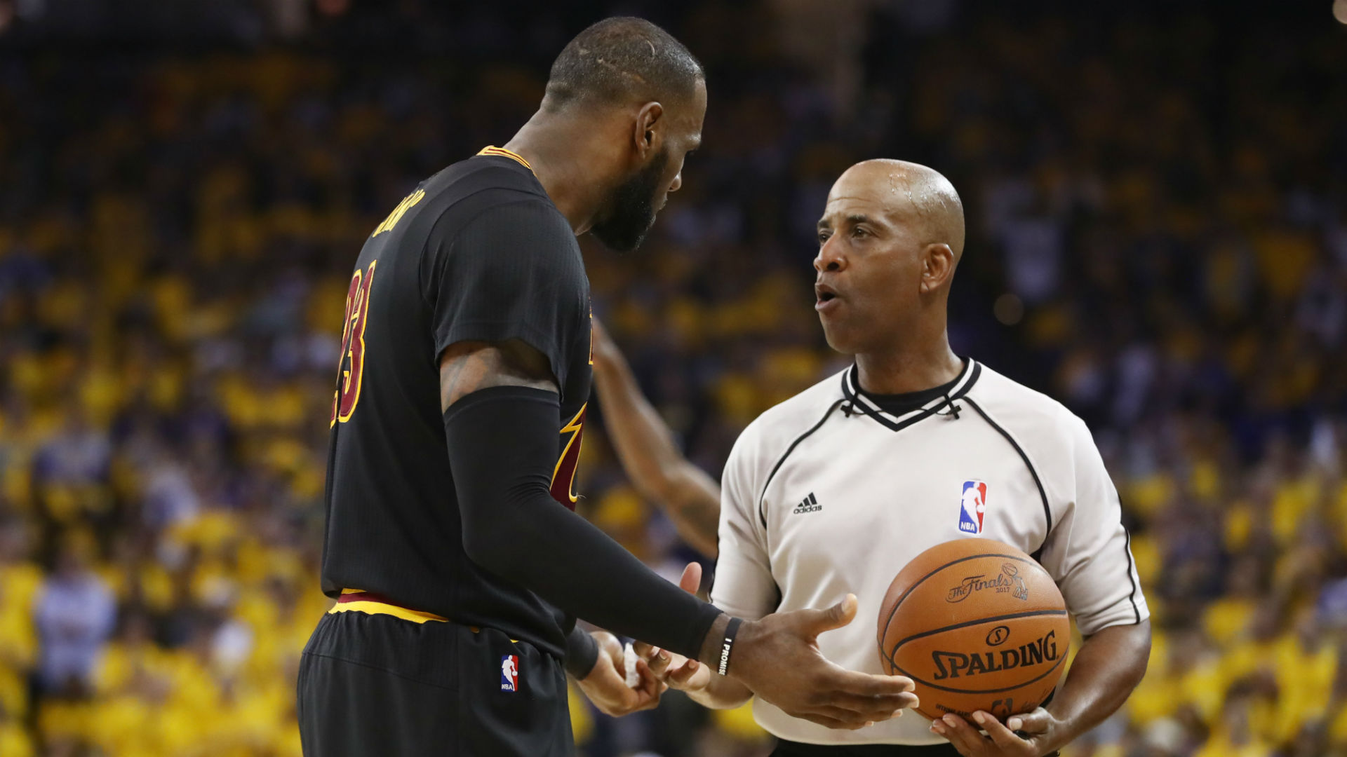 NBA Finals: How one huge no-call changed Game 5 and ...