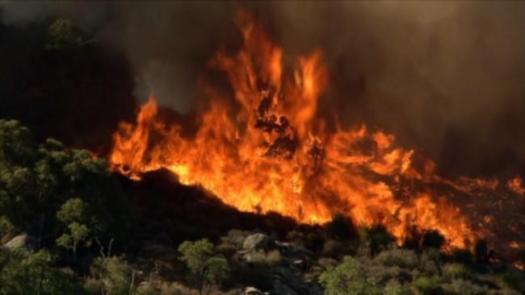WA Bushfires: Emergency warning as blaze burns towards ...